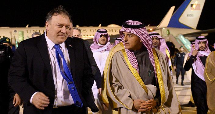 Mike Pompeo, secretario de Estado de EEUU y Adel al Jubeir, canciller de Arabia Saudí
