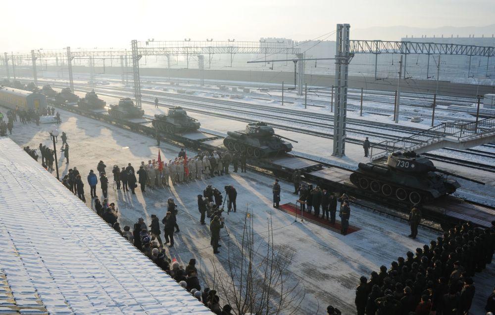 Los legendarios tanques T-34 vuelven a 'casa'