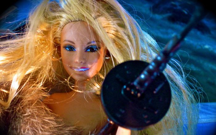 La eternamente joven muñeca Barbie cumple 60 años