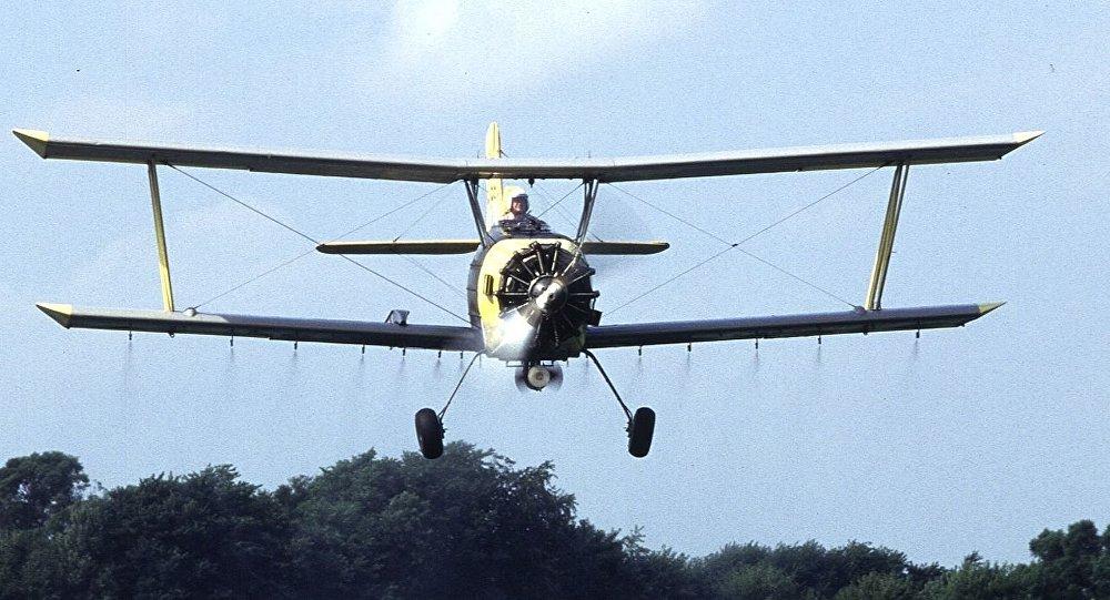 Una avioneta de fumigación