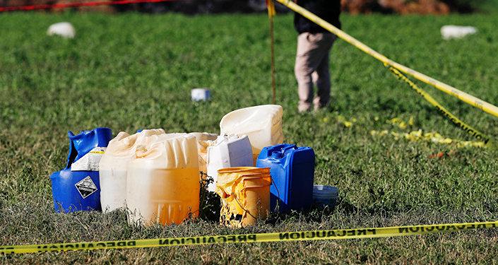 Las garrafas cerca del lugar de la explosión en Tlahuelilpan