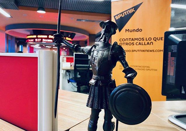La estatua de Don Quijote, regalo de dos españoles a Putin