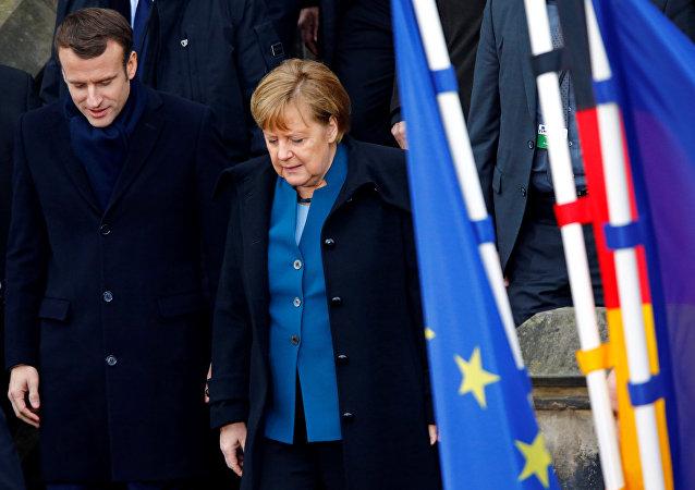 El presidente de Francia, Emmanuel Macron, y la canciller de Alemania, Angela Merkel