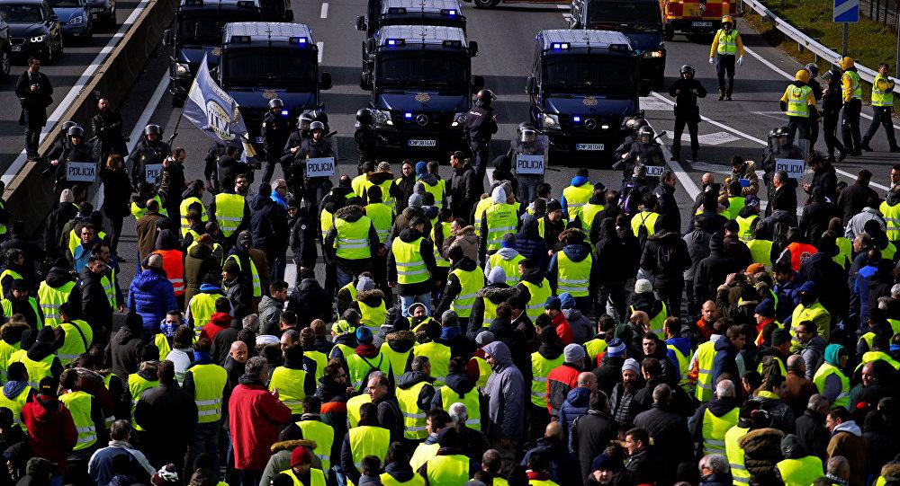 Manifestación de los taxistas españoles en Madrid, España