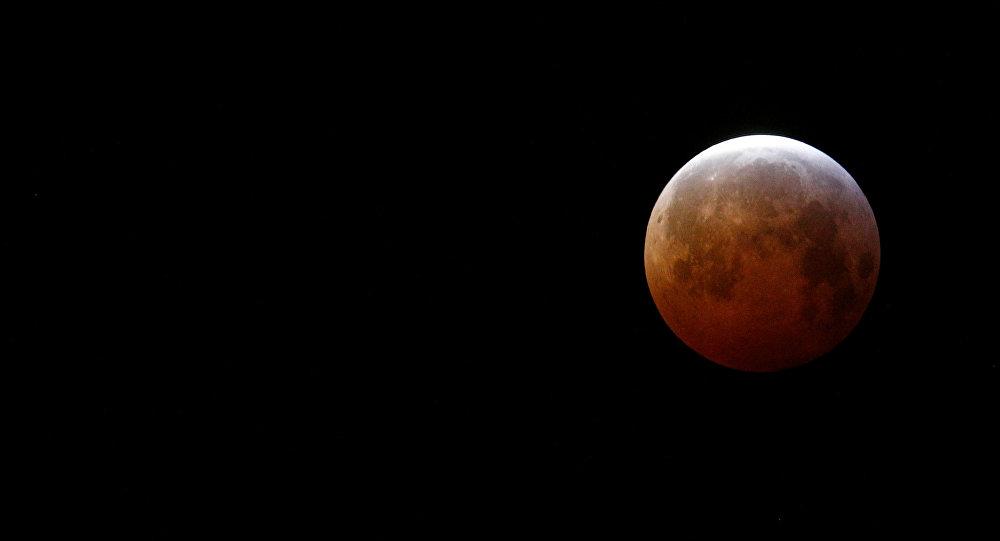El eclipse lunar visto desde Francia