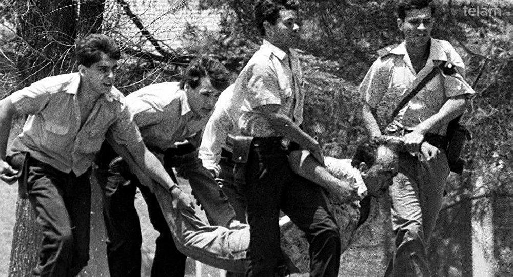 Una imagen de los hechos ocurridos en el cuartel argentino de La Tablada en 1989