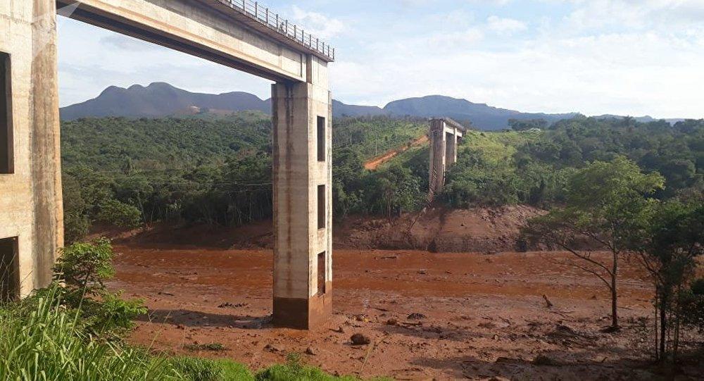 Las consecuencias de la rotura de una represa de residuos mineros en Brasil