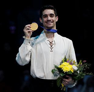 Javier Fernández tras ganar el Campeonato de Europa en el patinaje artístico