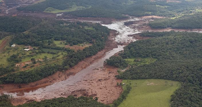 Consecuencias de la ruptura de la represa minera en Brasil
