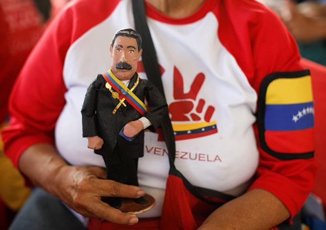 Una muñeca del presidente de Venezuela, Nicolás Maduro