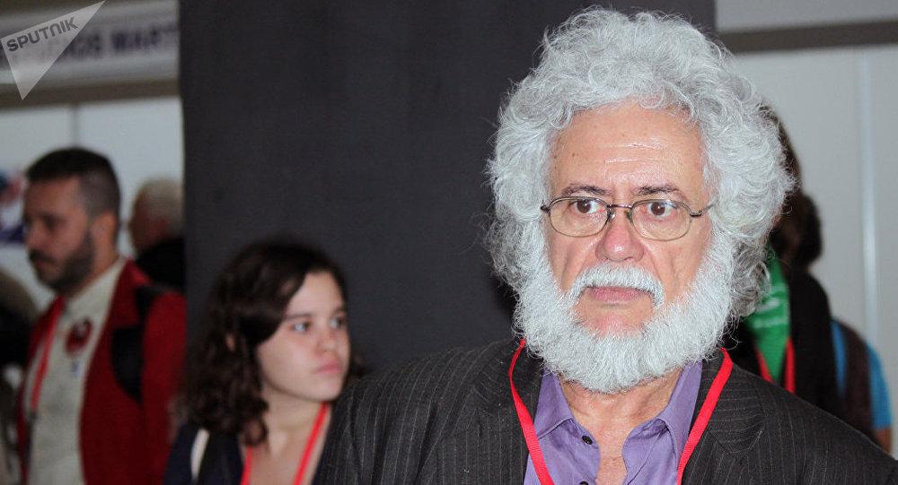Luis Toledo Sandé, escritor, poeta y ensayista cubano