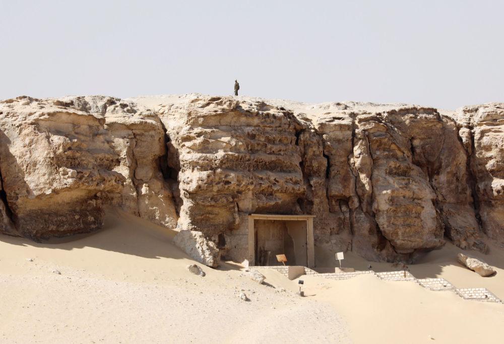 Hallan una antigua necrópolis egipcia con 40 momias