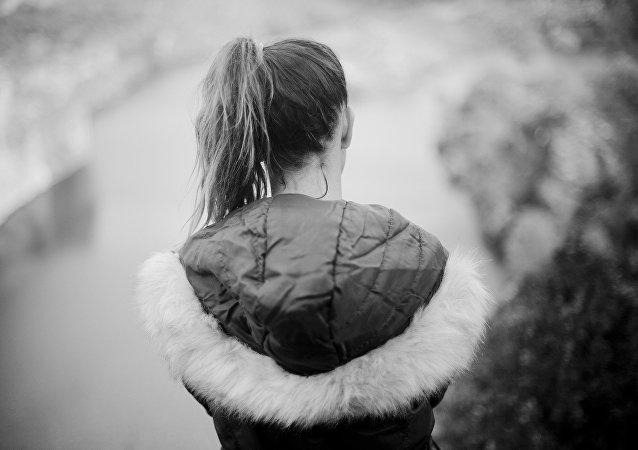 Mujer adolescente, imagen referencial