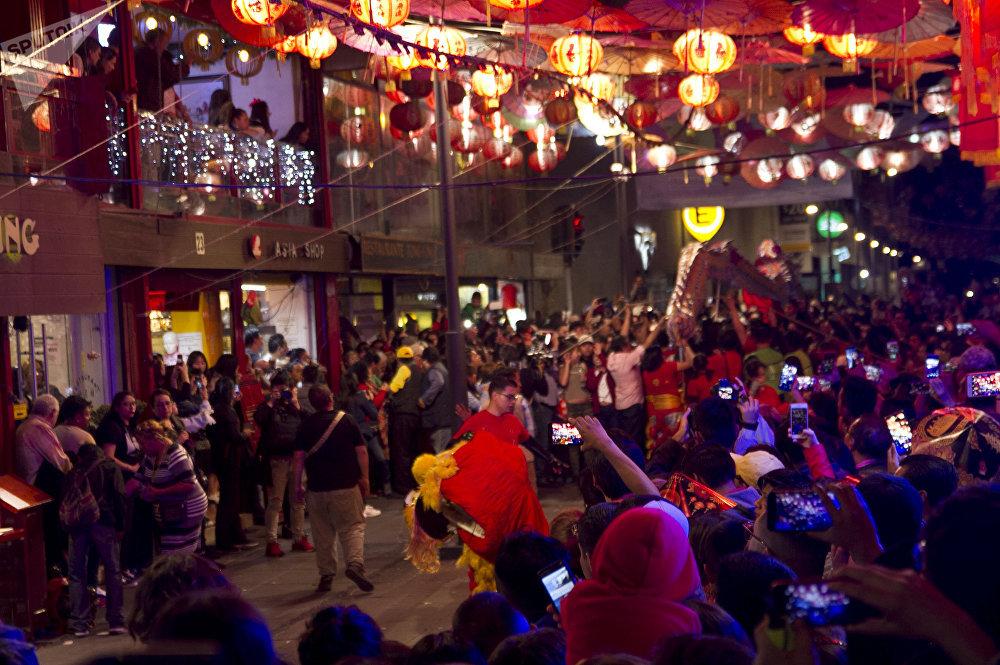 Cientos de personas durante los festejos del año nuevo chino en la ciudad de México