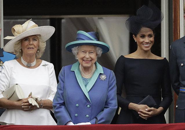 Reina Isabel II, Camilla Parker Bowles y Meghan Markle
