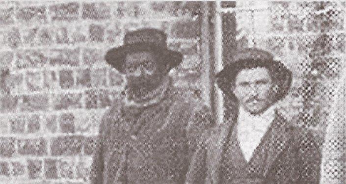 Dos colonos bóers llevaron consigo esclavos zulúes. Damboy fue esclavo en Sudáfrica, pero en Argentina se convirtió en un peón rural
