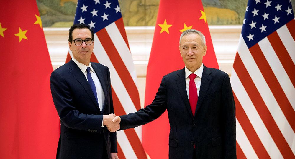 El secretario del Tesoro estadounidense, Steven Mnuchin, y el vice primer ministro chino Liu He