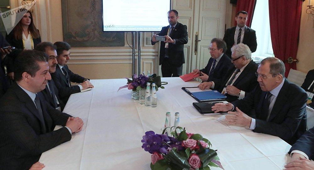 El candidato a primer ministro del Kurdistán iraquí, Masrour Barzani, y el canciller ruso, Serguéi Lavrov