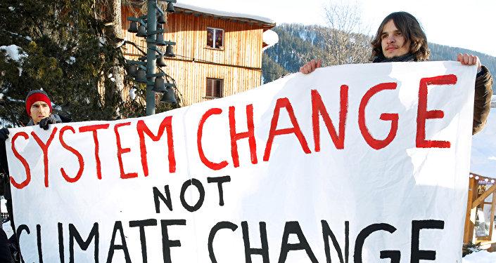 Protesta de socialistas en Suiza