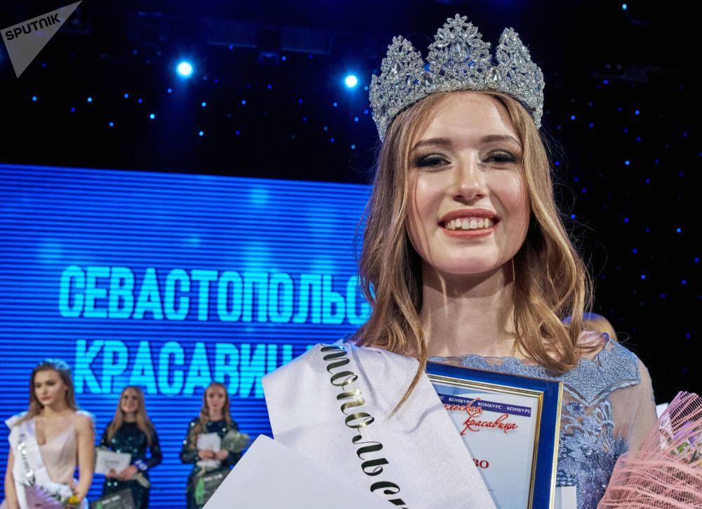 Sebastopol elige a su principal belleza entre las jóvenes de la ciudad