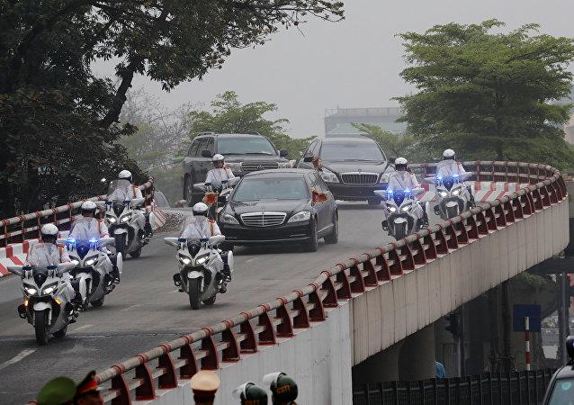 La caravana oficial de Kim Jong-un en Vietnam