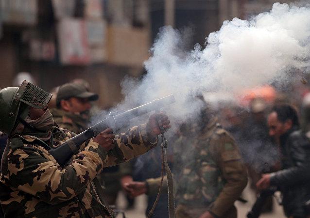 Fuerzas de seguridad en Cachemira india