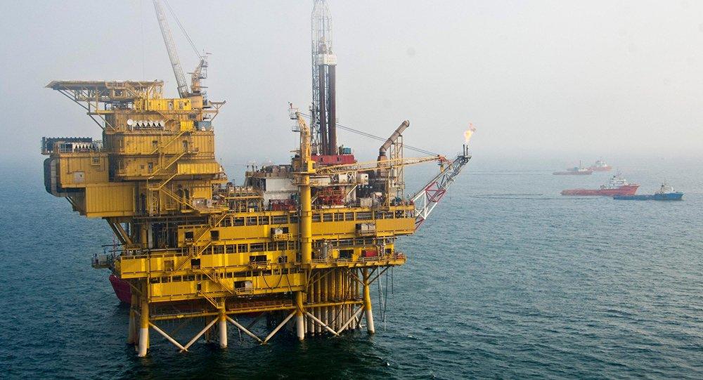Una plataforma petrolífera en la bahía de Bohai