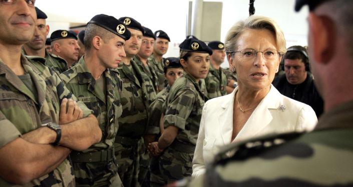 Fuerzas Armadas con un toque femenino: las ministras de Defensa más famosas del mundo