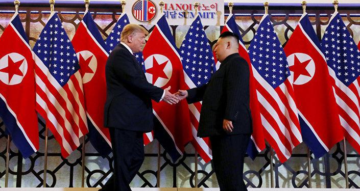 El presidente de EEUU, Donald Trump, y el líder norcoreano, Kim Jong-un (archivo)
