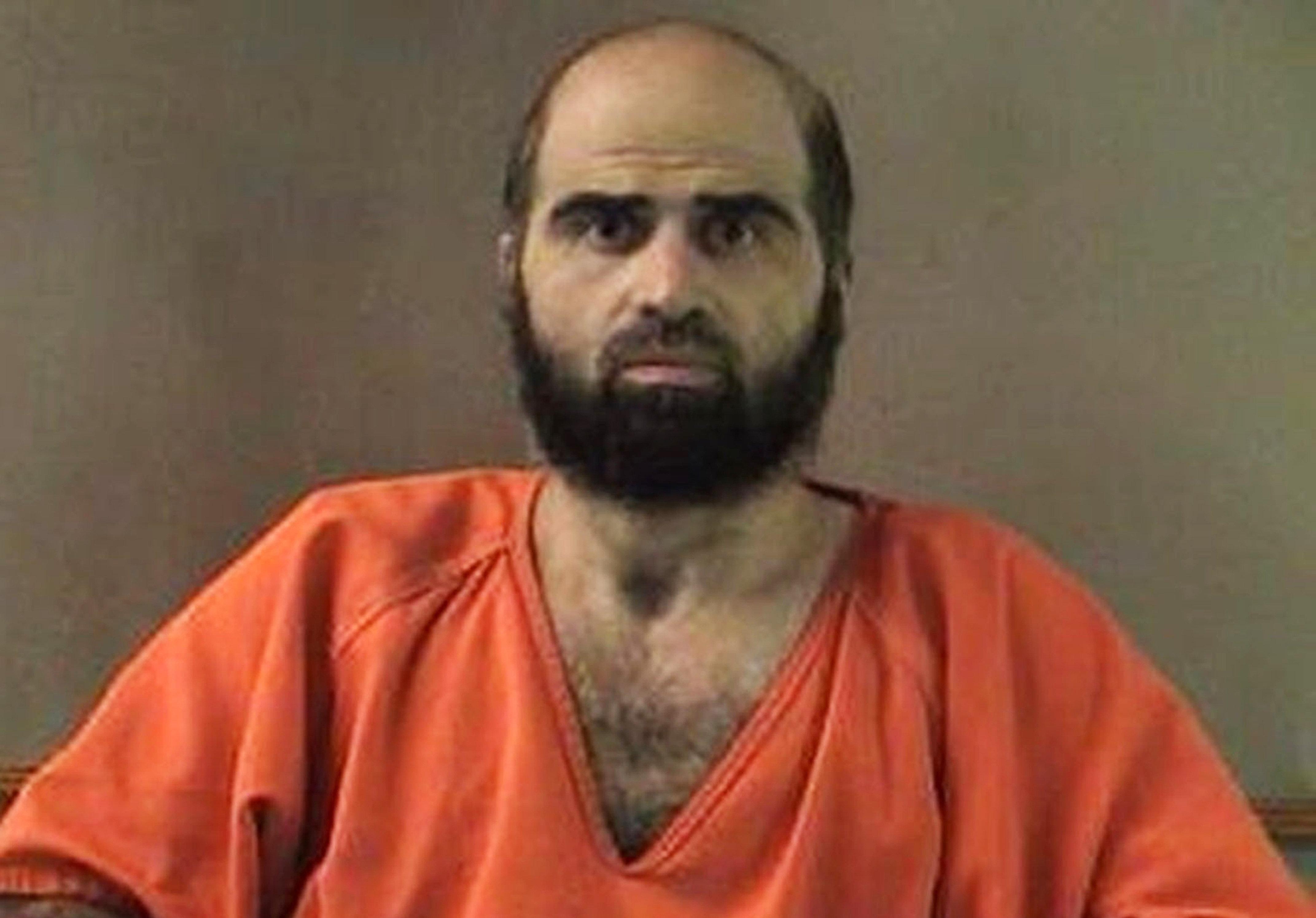 El psiquiatra y mayor del Ejército de EEUU Nidal Malik Hasan que mató a tiros a 13 militares