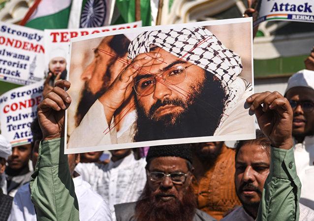 La foto de Masood Azhar, el cabecilla del grupo terrorista Jaish-e-Mohammed (JeM)