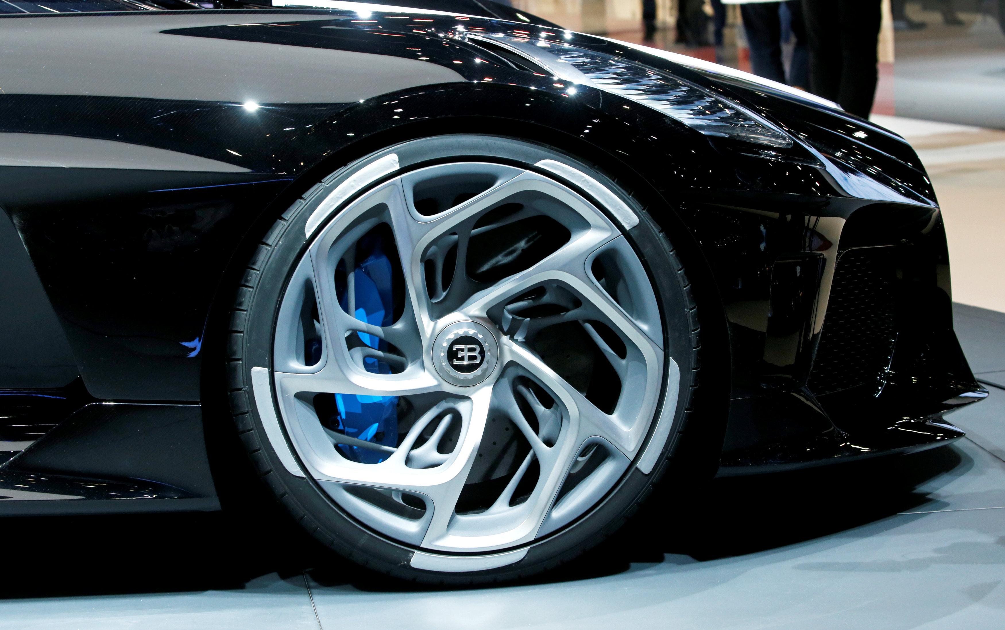 Las llantas del 'La Voiture Noire' de Bugatti