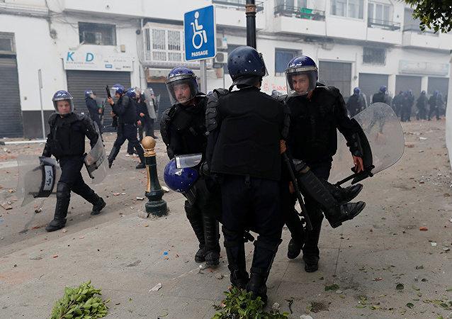 Policía de Argelia