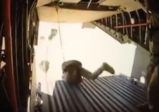 Epic fail de paracaidistas africanos