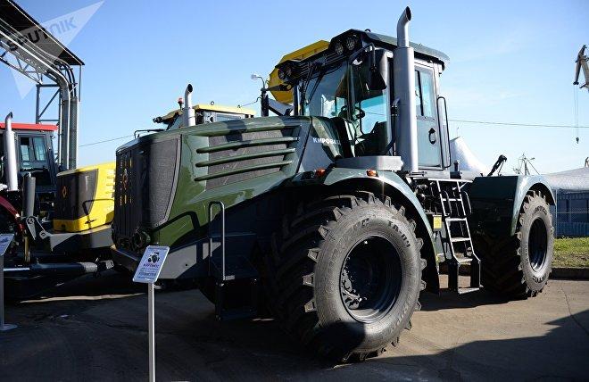 Un tractor Kirovets, una de las marcas de maquinaria que promocionó la delegación rusa en Argentina