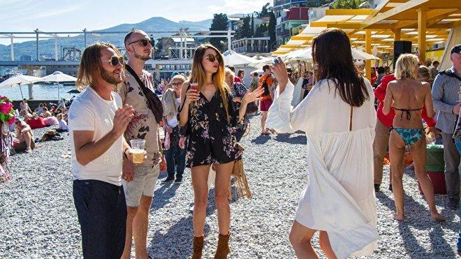 En la temporada vacacional de 2018, Crimea fue visitada por 6,8 millones de turistas, lo que supuso una cifra récord en toda la historia moderna de la península