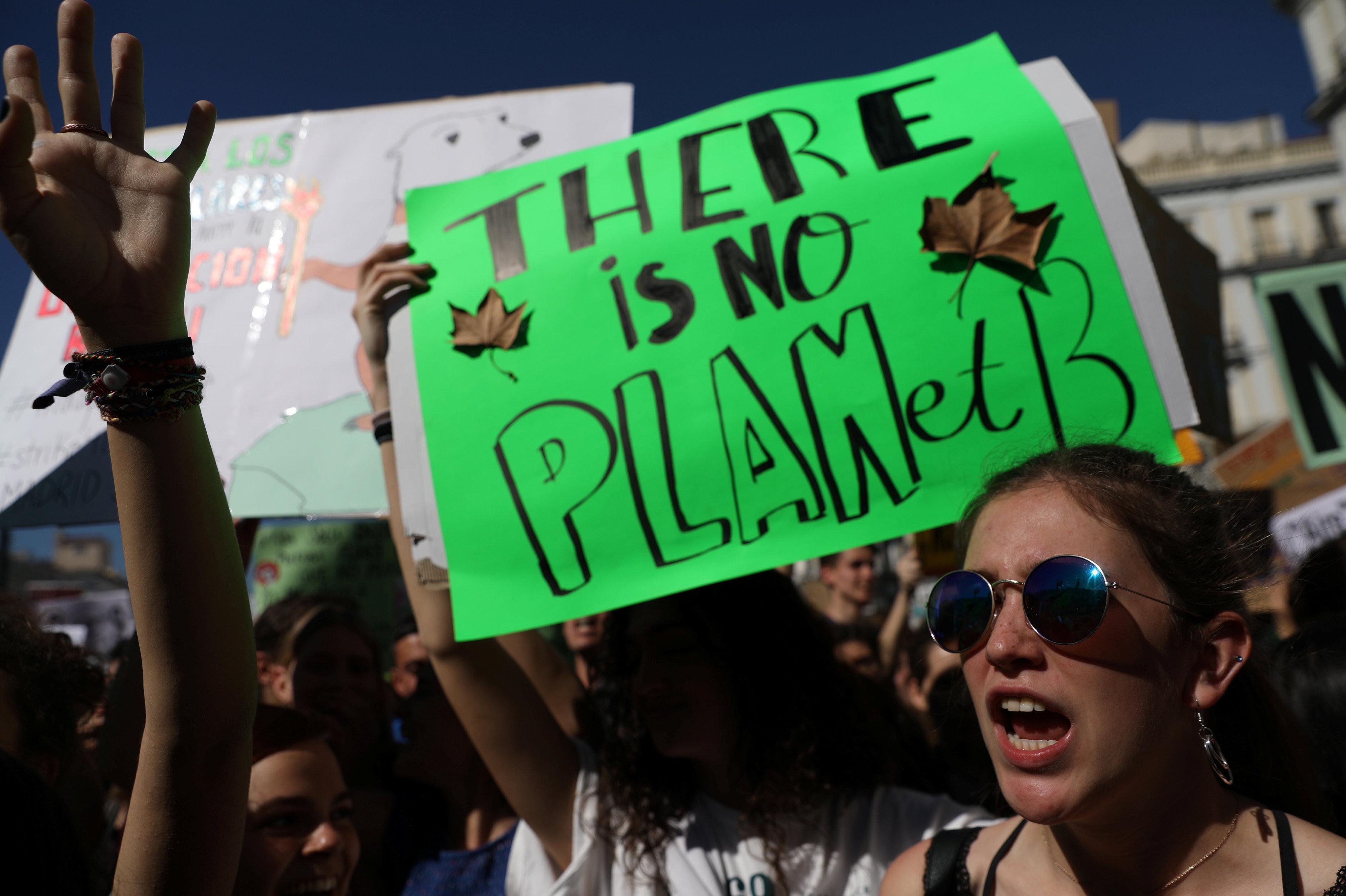 Estudiantes españoles en la huelga contra el cambio climático en Madrid