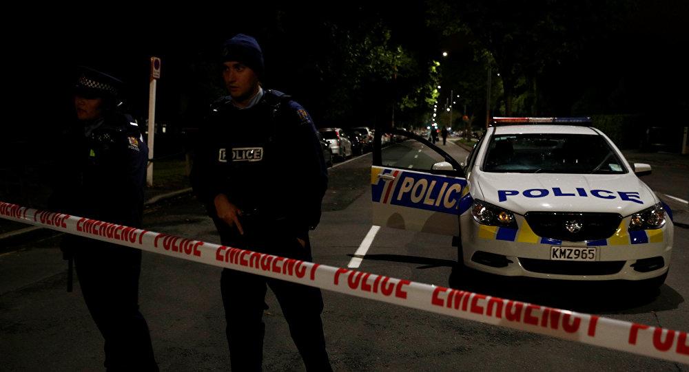 Policía en el lugar del tiroteo en una mezquita de Nueva Zelanda