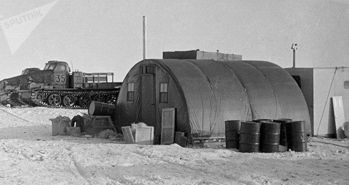 La estación Vostok en 1964 en la Antártida
