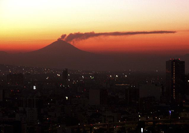 El volcan Popocatépetl
