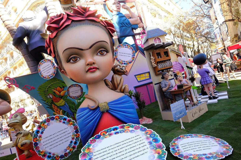 La figura de Frida Kahlo, en plenas Fallas de Valencia (España)