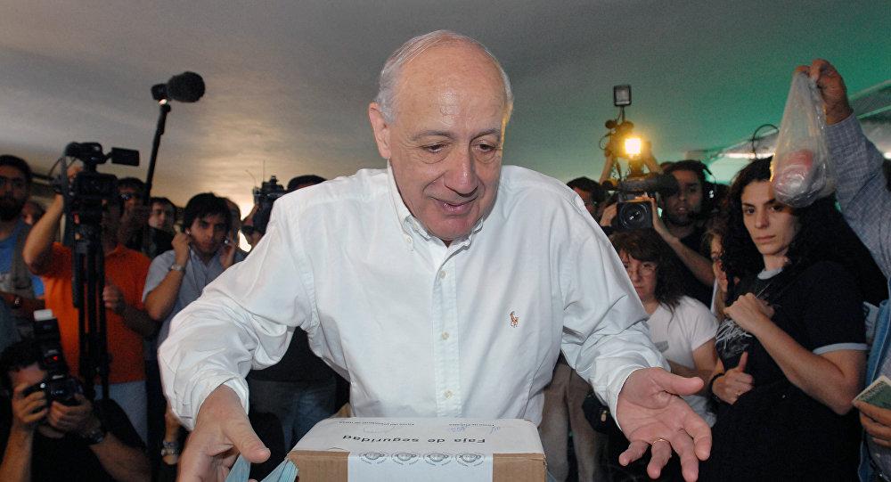 Roberto Lavagna, posible precandidato presidencial de Argentina.