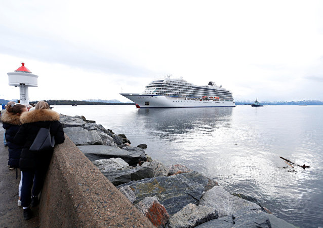 El crucero de Viking Sky llega al puerto de Molde
