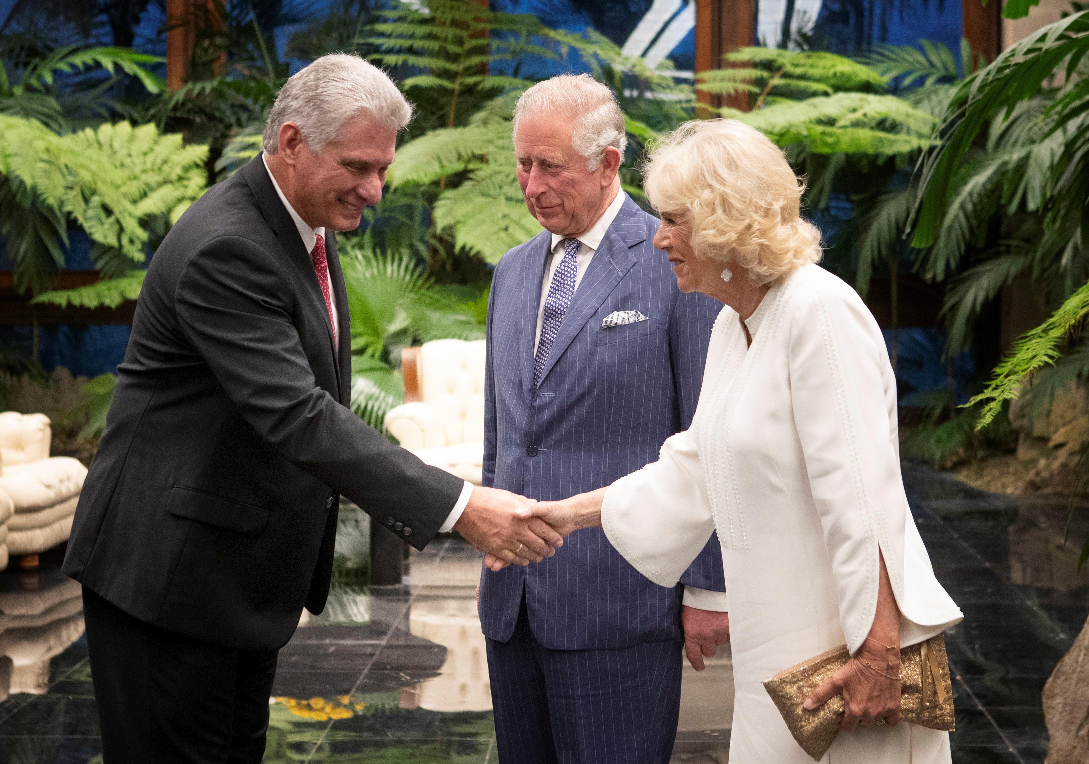 El presidente de Cuba, Miguel Díaz-Canel, recibió al príncipe Carlos y su esposa Camila durante su visita oficial a La Habana