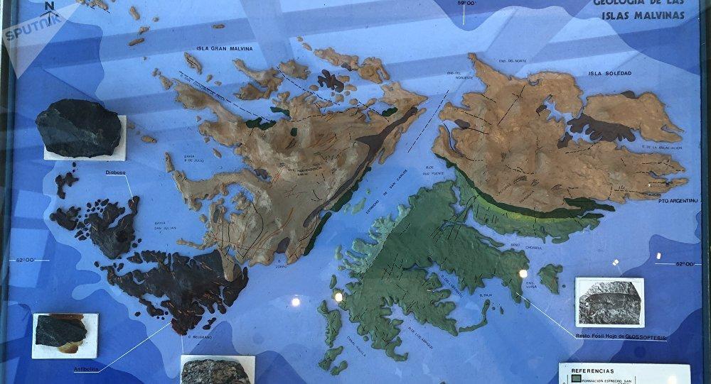 En el museo de Malvinas no solo se aprende de historia. También es posible conocer los aspectos geológicos de las islas.