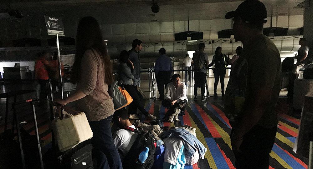 Aeropuerto internacional Simón Bolívar durante el apagón en Caracas, Venezuela