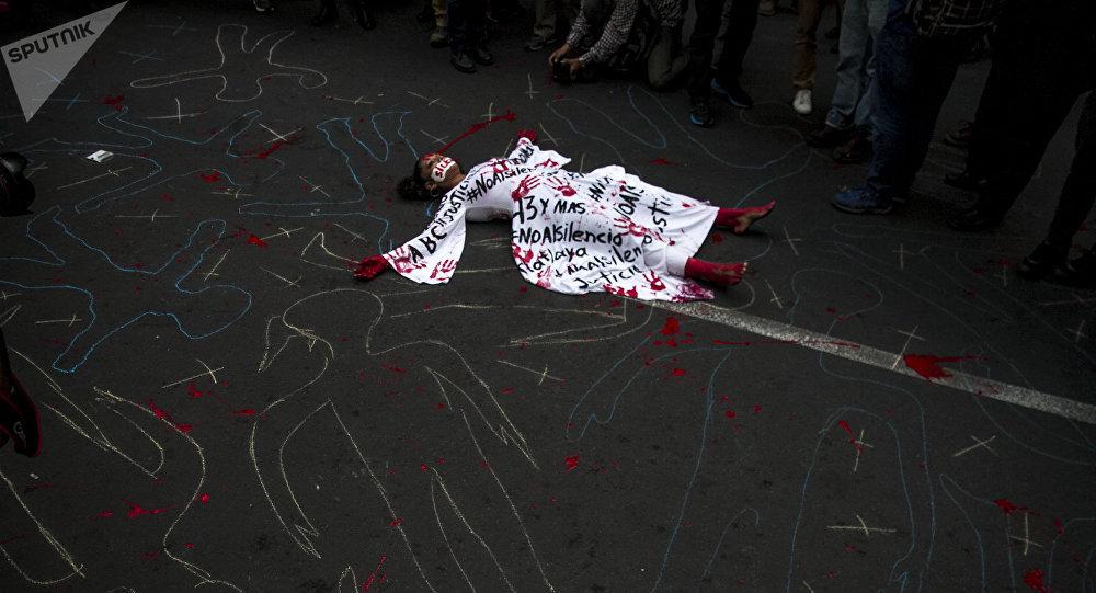 Activista en Ciudad de México durante una manifestación de periodistas, para exigir libertad de expresión y el alto a los asesinatos de colegas