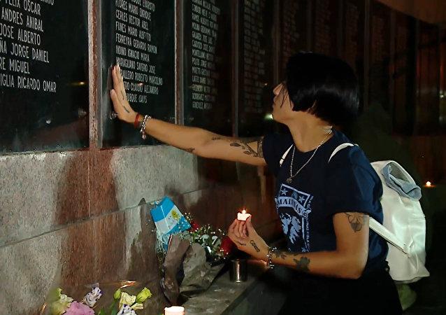 Centenares de personas rinden homenaje a los veteranos y caídos en las Malvinas