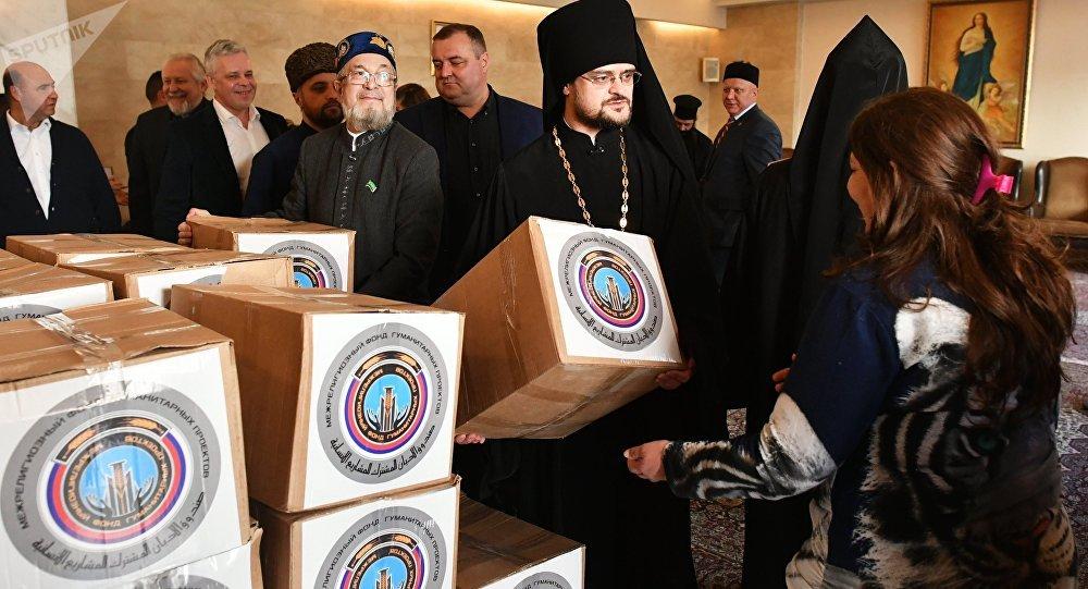Entrega de los organismos religiosos rusos de 15 toneladas de ayuda humanitaria a Siria