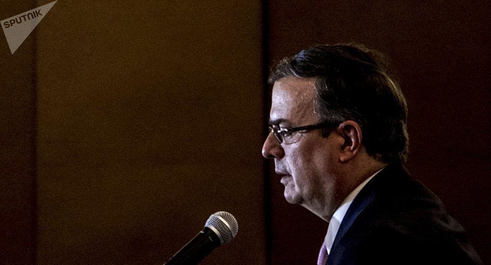 Marcelo Ebrard, futuro secretario de Relaciones Exteriores, ofrece conferencia de prensa tras la reunión con la delegación del Gobierno estadounidense encabezada por Mike Pompeo, secretario de Estado